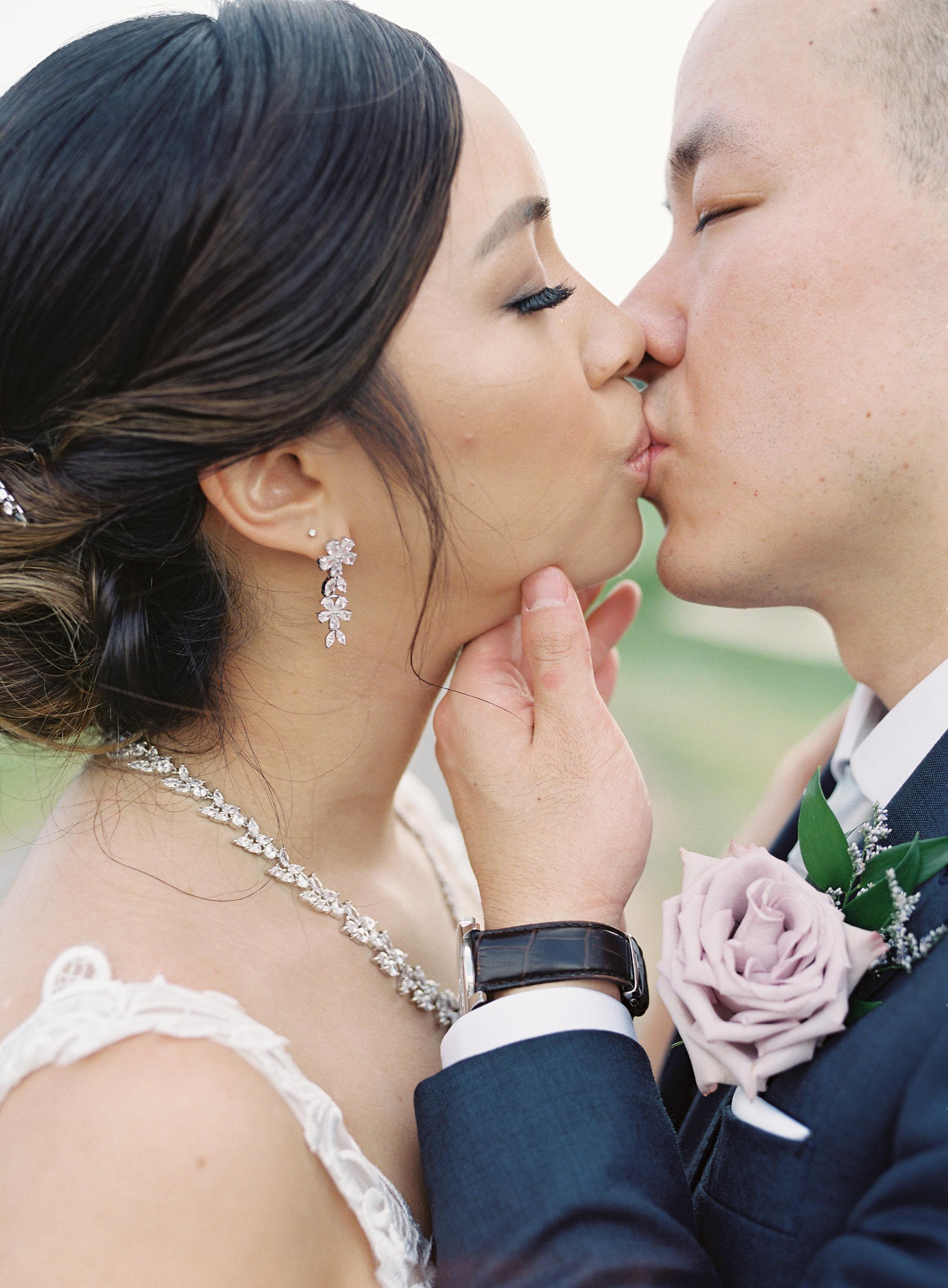 Angus Glen Wedding - Bridal Portraits-114.jpg