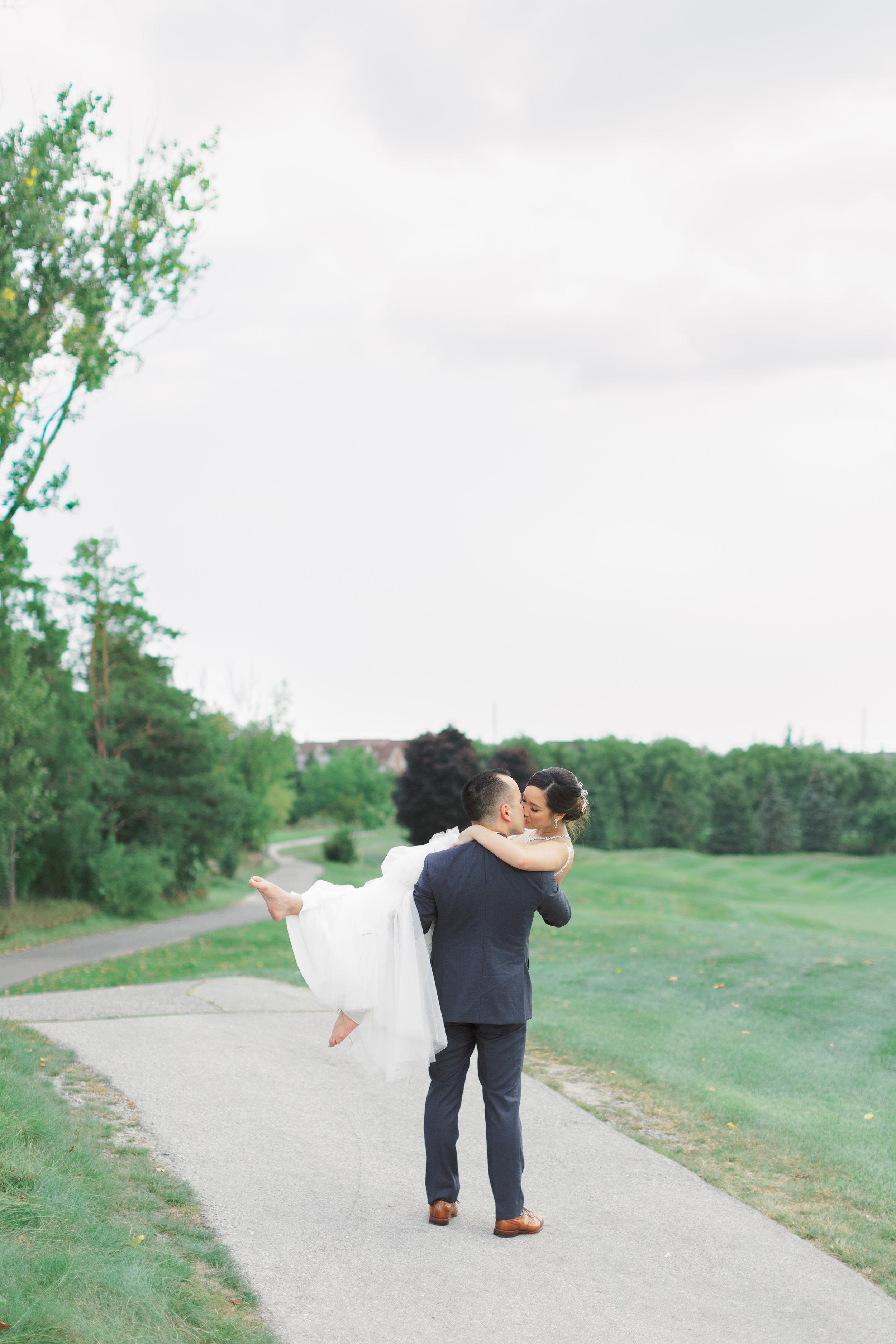 Angus Glen Wedding - Bridal Portraits-120.jpg