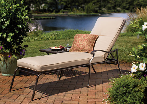 Heritage Cast Chaise Lounge with Cushion