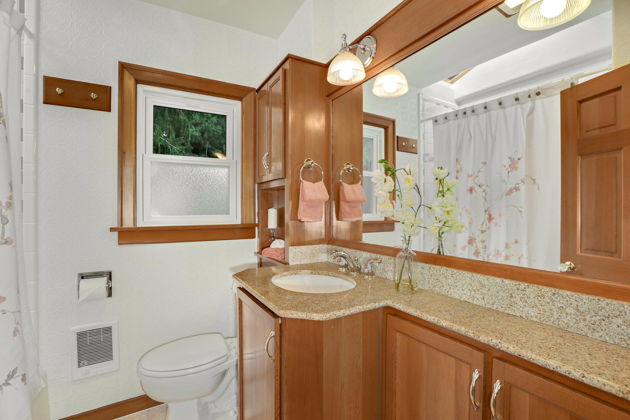 19.7.3 {Heather Rogers} 12354 35th Ave NE, Seattle - EDITED-0026 upstairs full bath.jpg