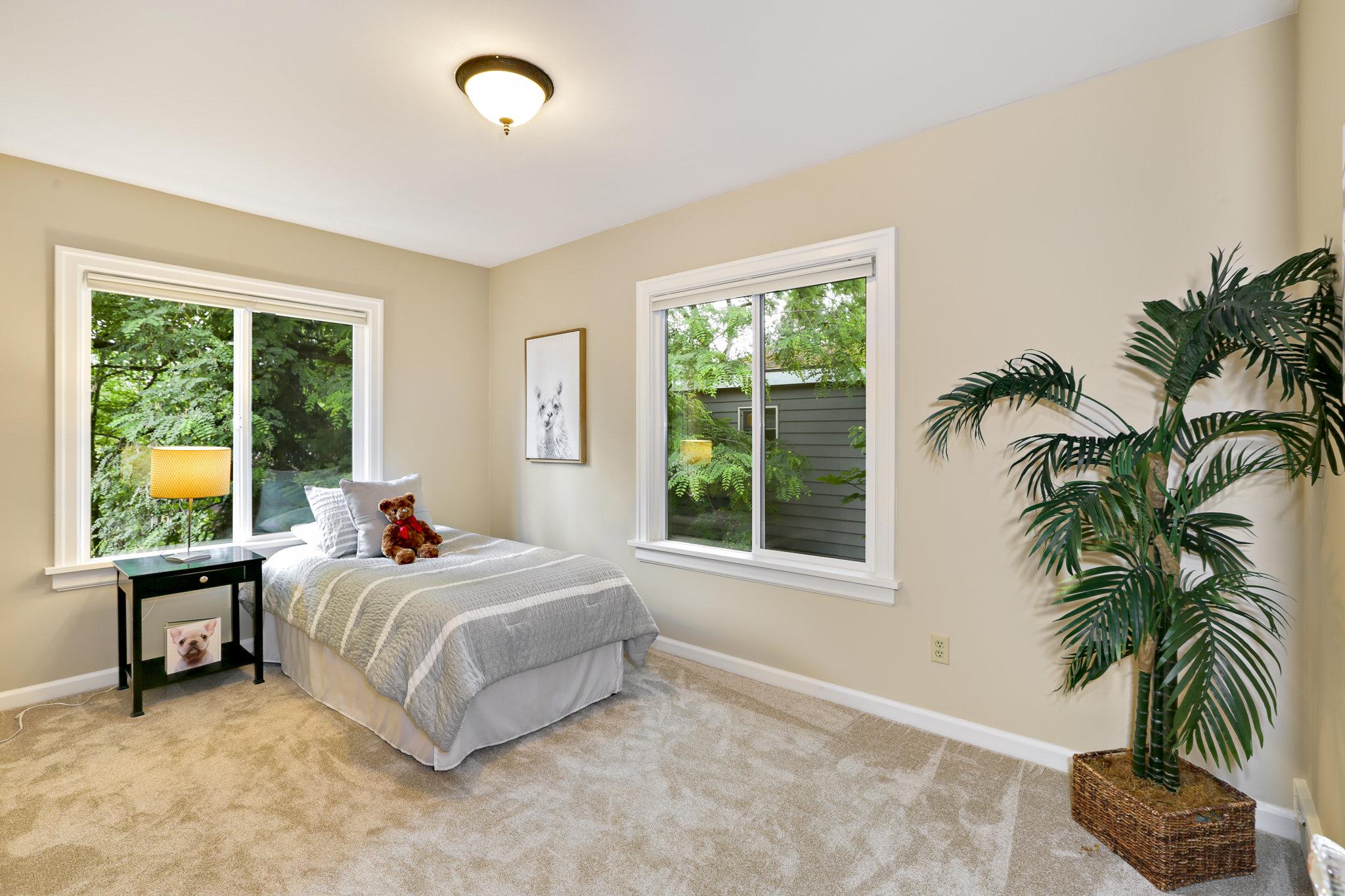 19.7.3 {Heather Rogers} 12354 35th Ave NE, Seattle - EDITED-0029 upstairs kids bedroom 2.jpg