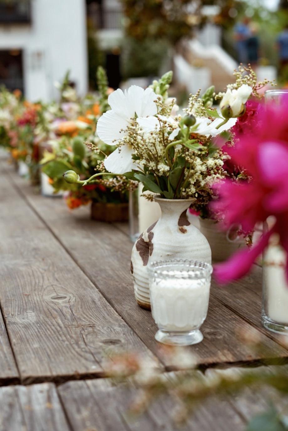 wedding flower white.jpg
