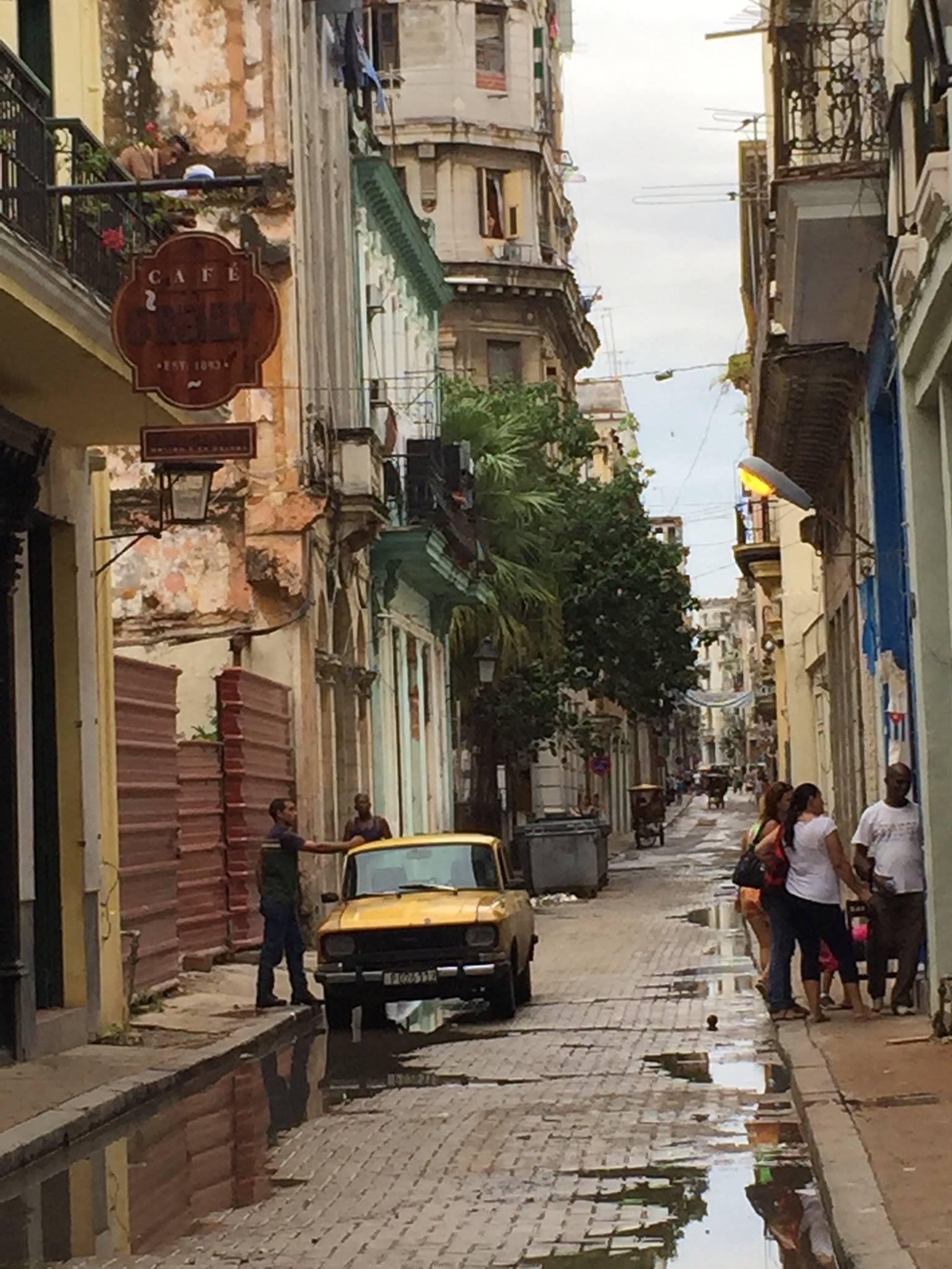 havana-cuba-alley.jpg