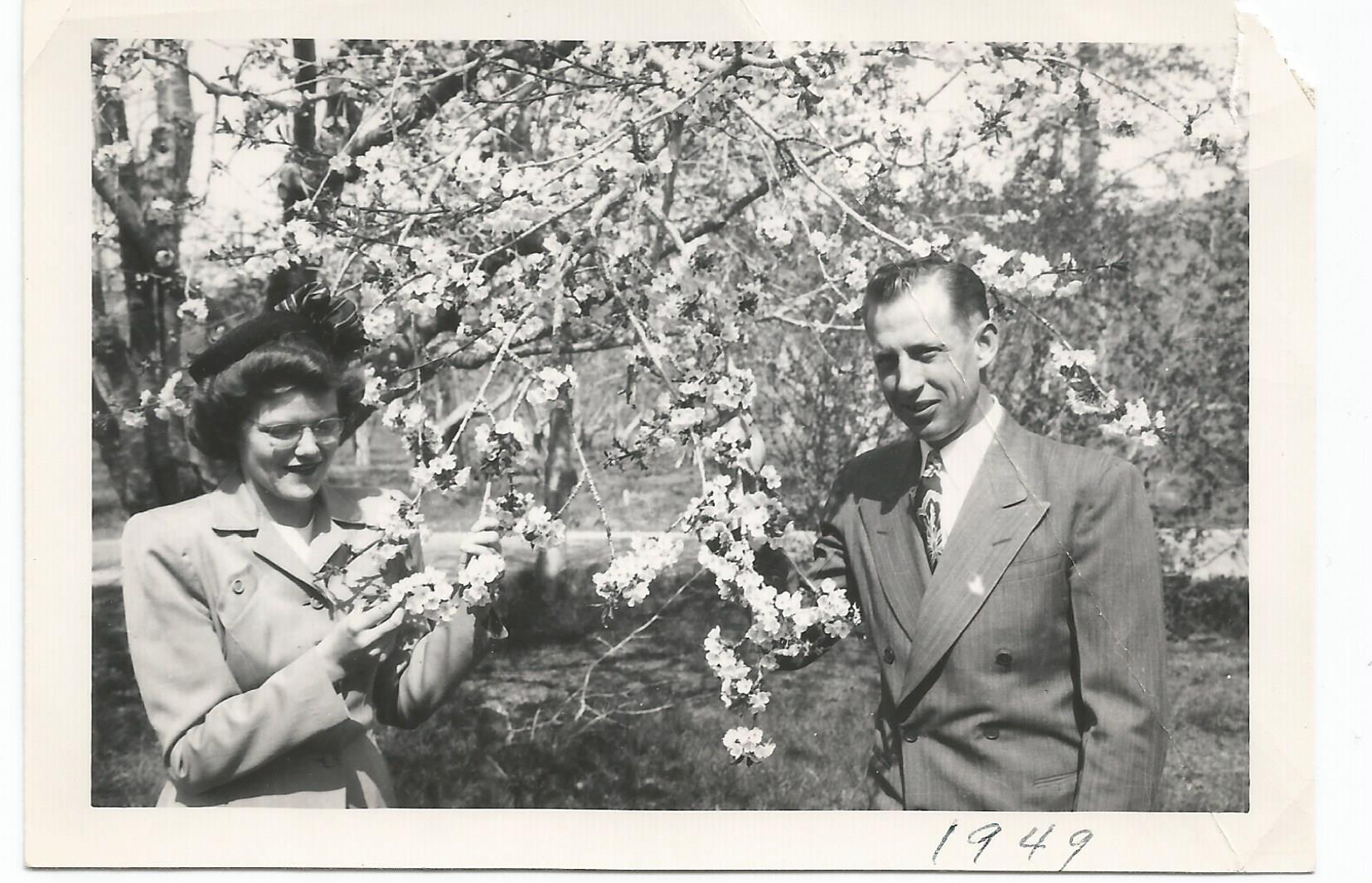 Arnold Nila engagement 1948 blossoms.jpg
