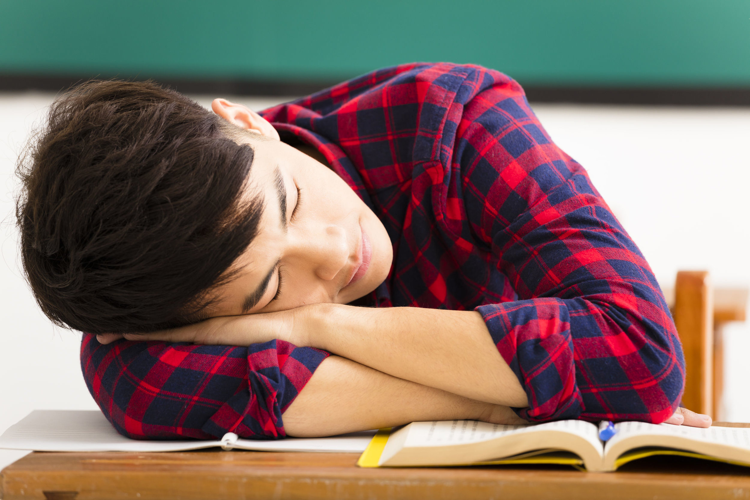 """3 Ways to Effectively Manage Your Teen's School Problems 
