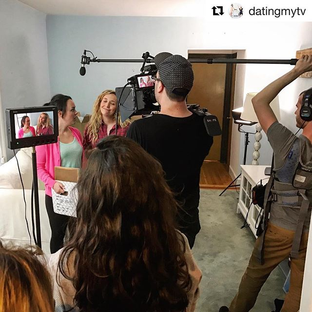 It takes a lot of talented people (squished into an NYC apartment) to get the right shot. 💁🏻‍♀️💁🏼‍♀️😘📺 #bts S2, E1 . . . Have you binged datingmytv yet? LINK IN BIO . . . #webseries #teamwork #nyccomedy #series #play #womenincomedy #womeninfilm #femalefilmmakerfriday #femalefilmmaker #comedy