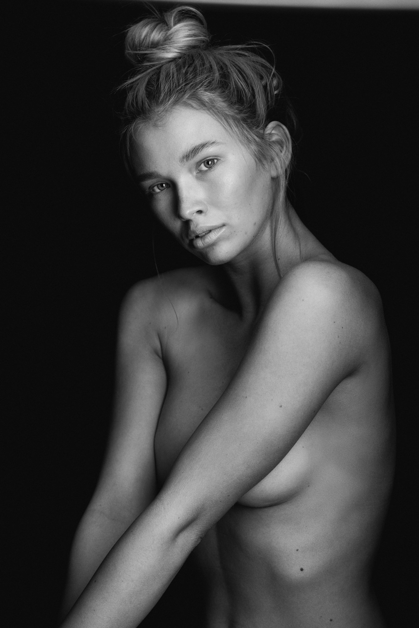 Karla; Raw - RAW SERIES |Face clean (no makeup); Muse Karla Bodycote(Viviens Model Management);Photographs by Dave Blake.