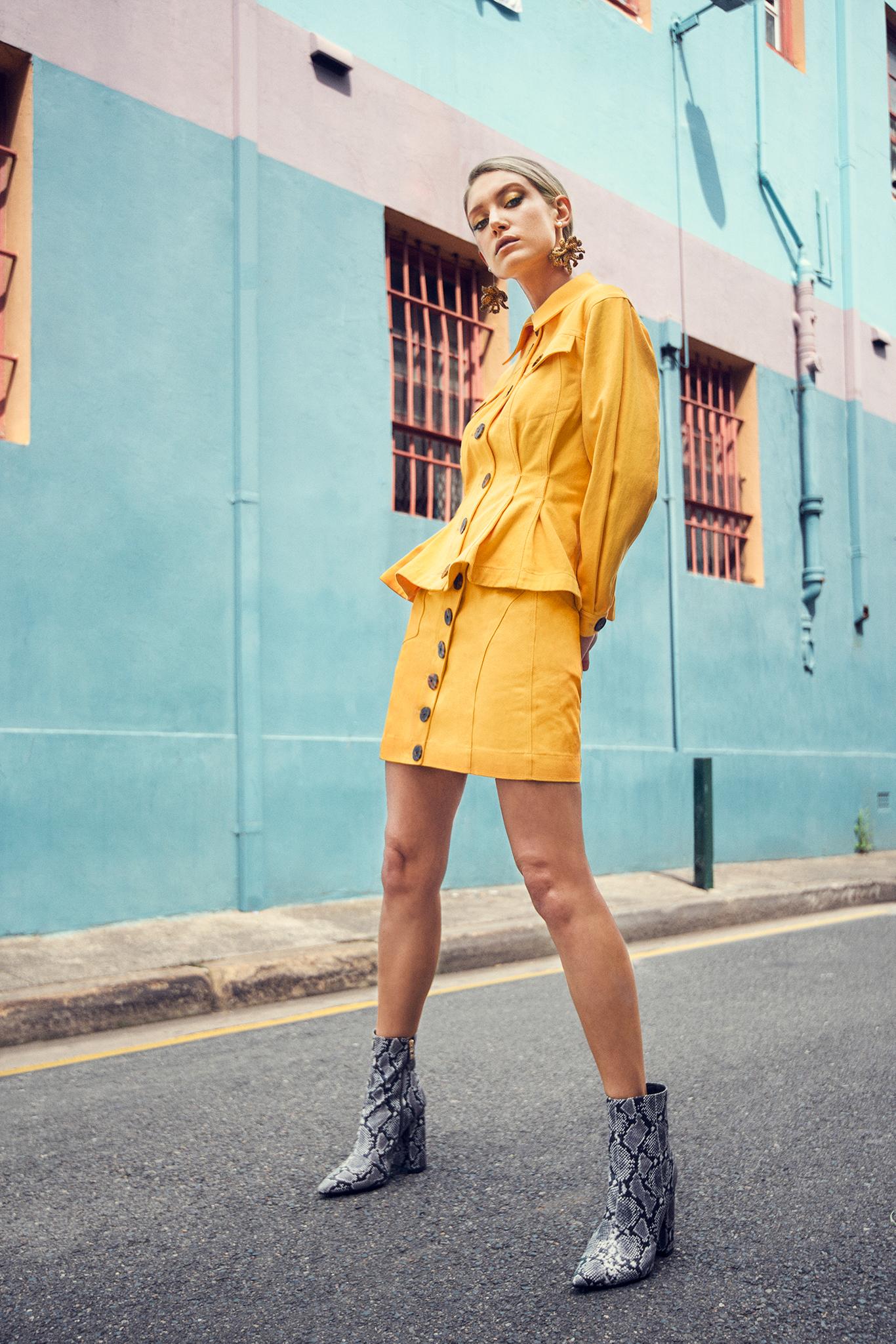 Caroline Lowe, yellow pastel