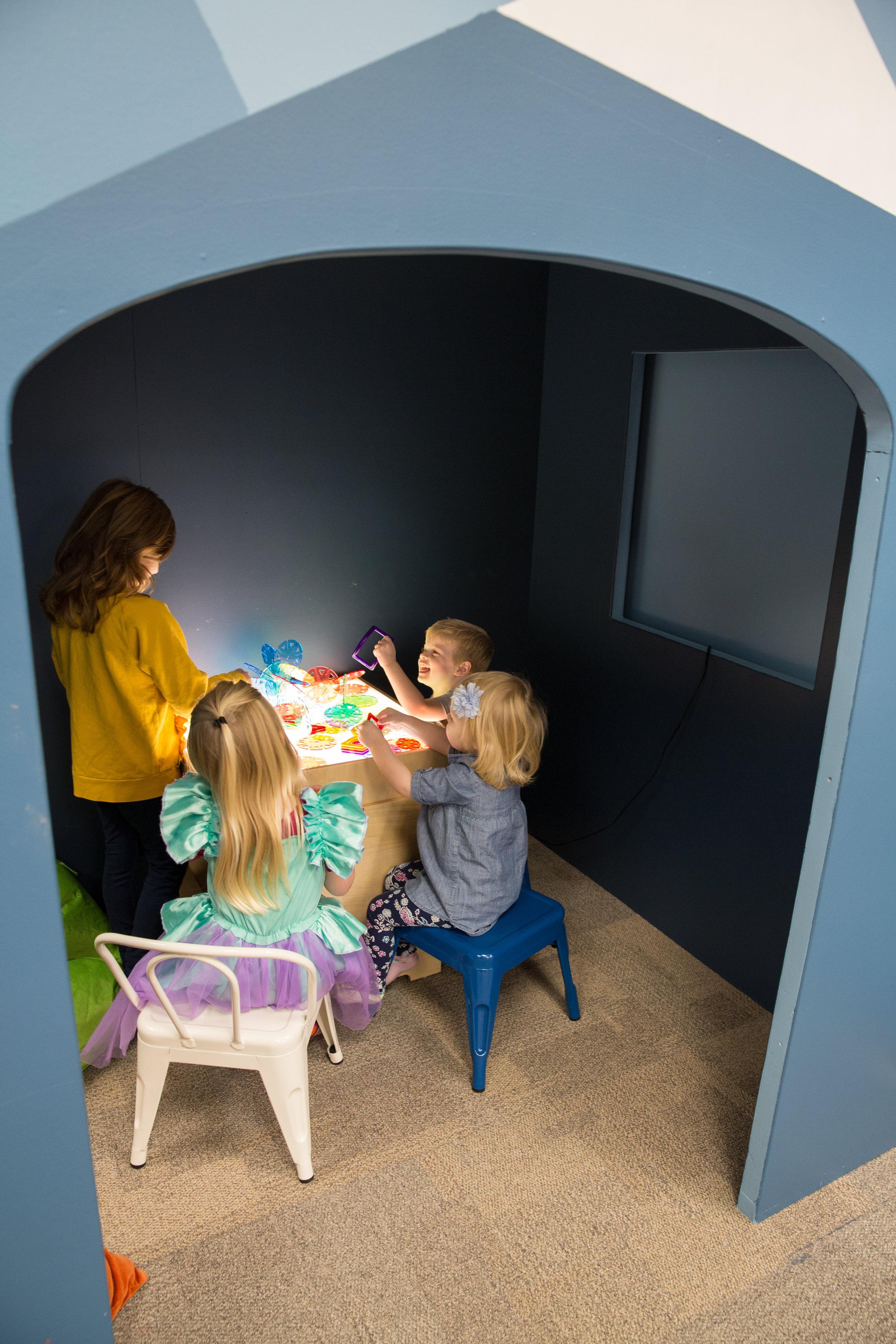 Hoot_Studio_Play_Cafe_Dark_Room_Interior.jpg