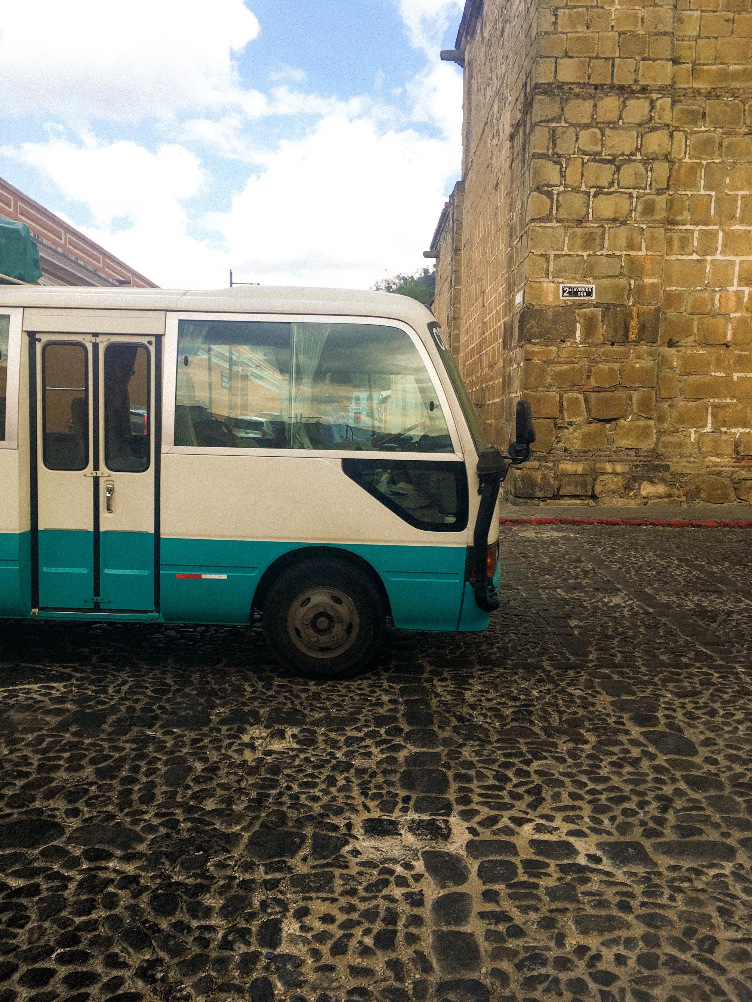 Antigua- Bus-natalienehlawi.com.jpg