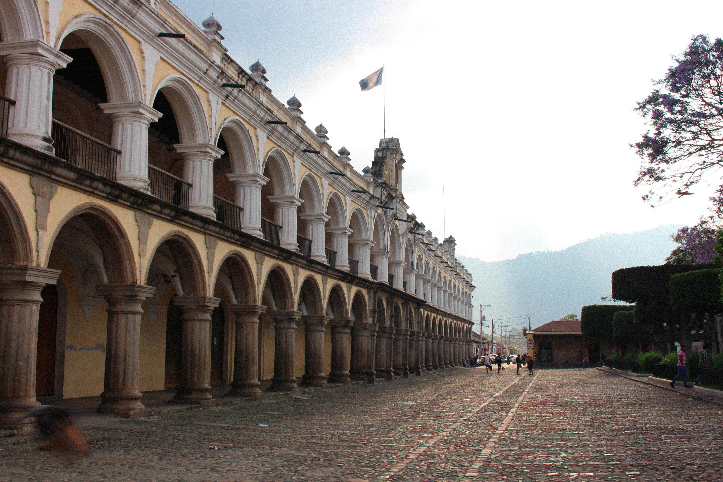 Antigua- central square-natalienehlawi.com.jpg