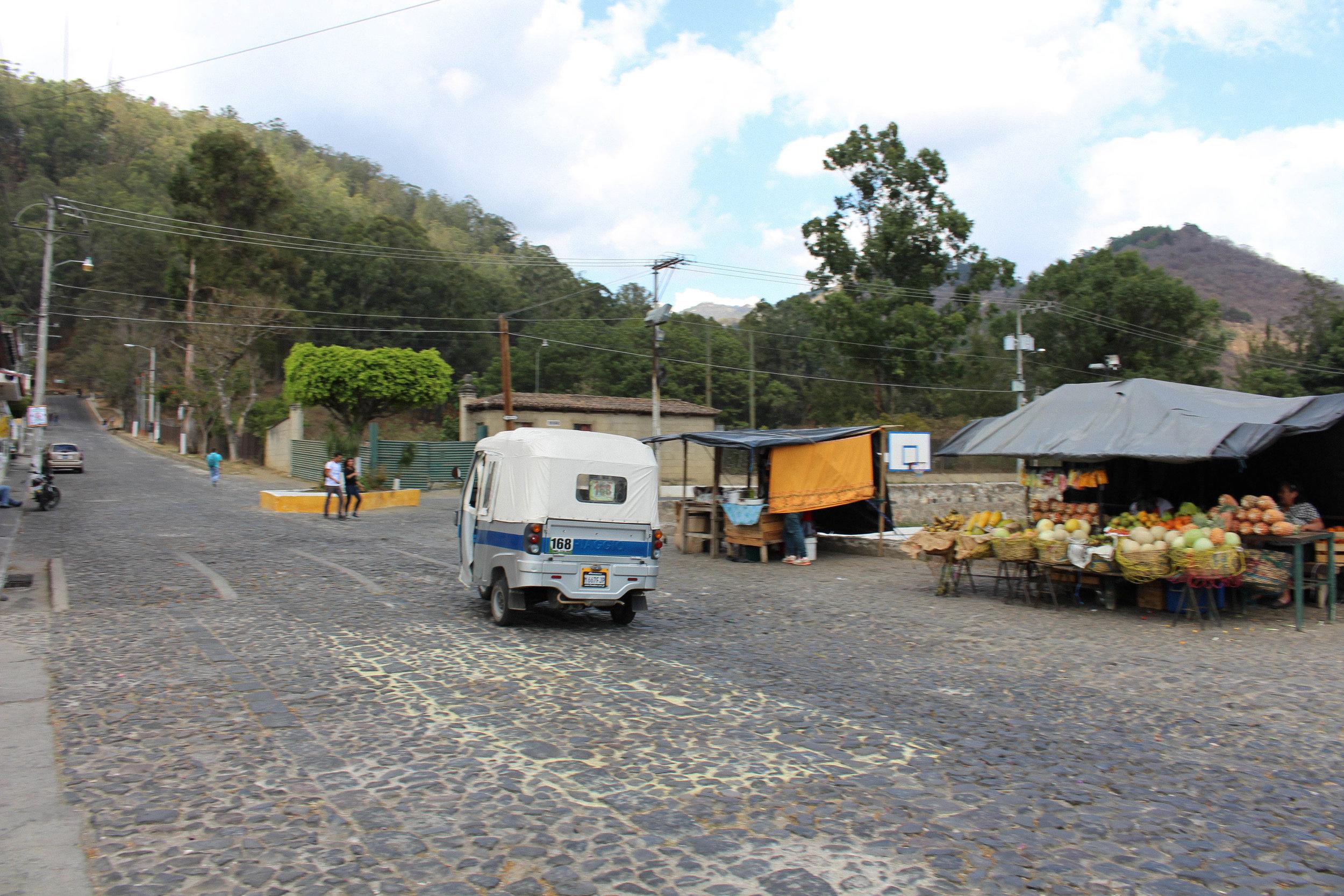 Antigua- tuktuk on road-natalienehlawi.com.jpg