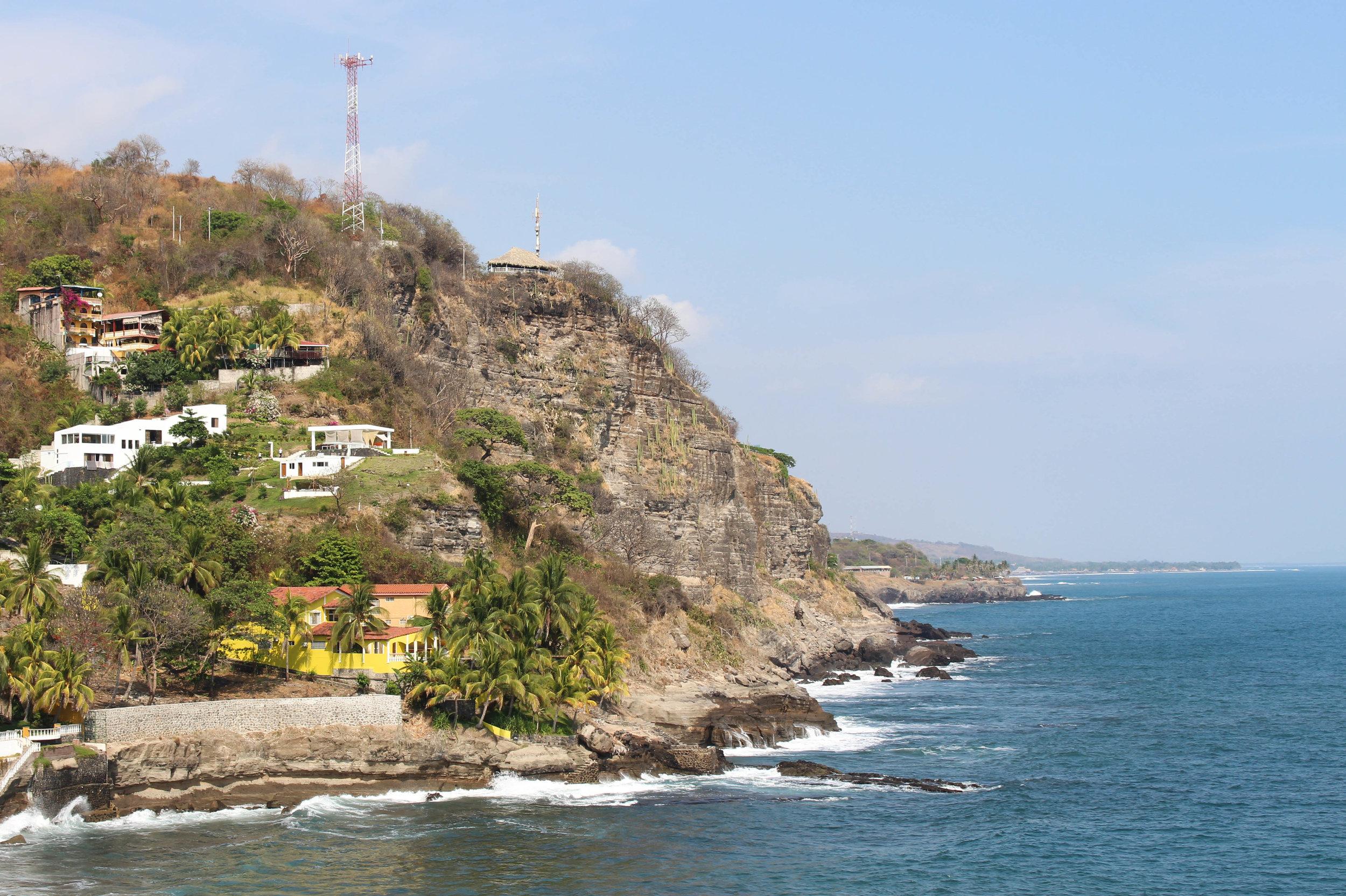 El tunco- day view (hill) croped-natalienehlawi.jpg