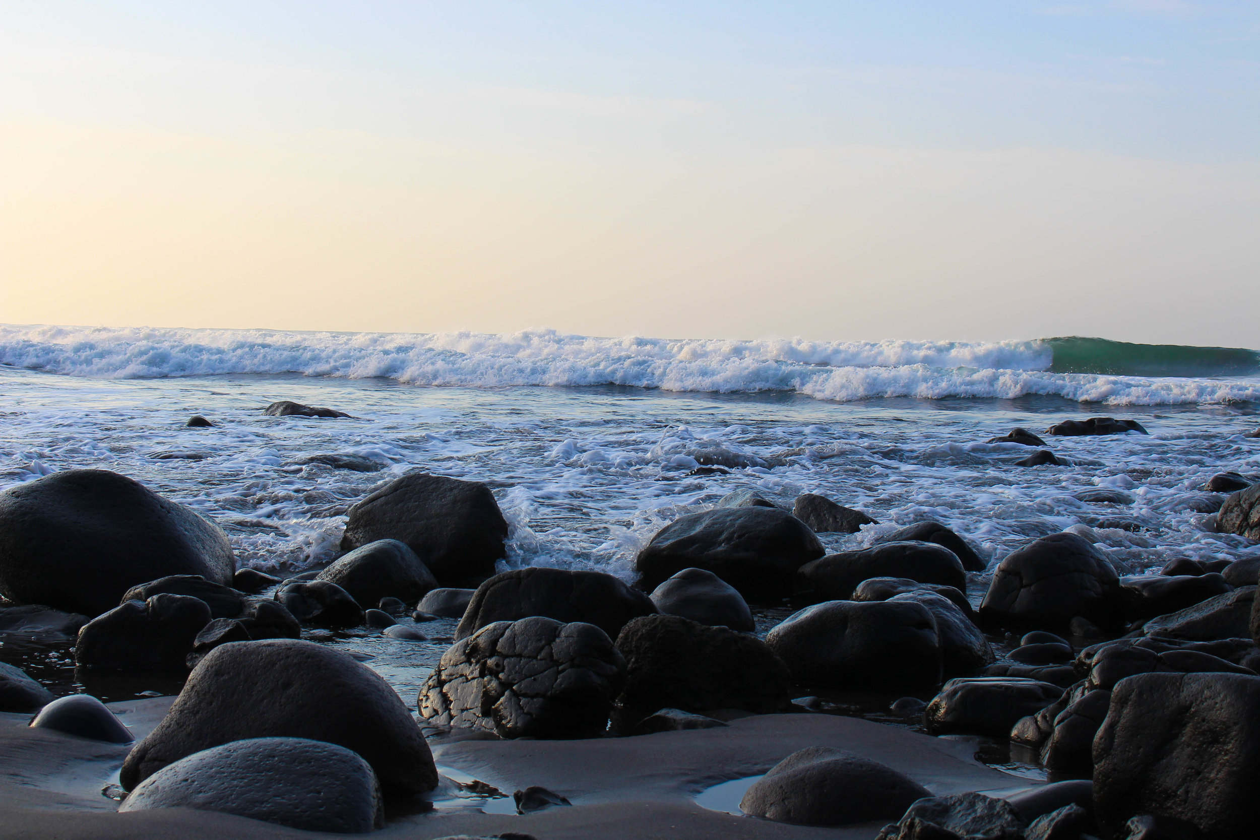 El tunco- water&rocks-NatalieNehlawi.jpg