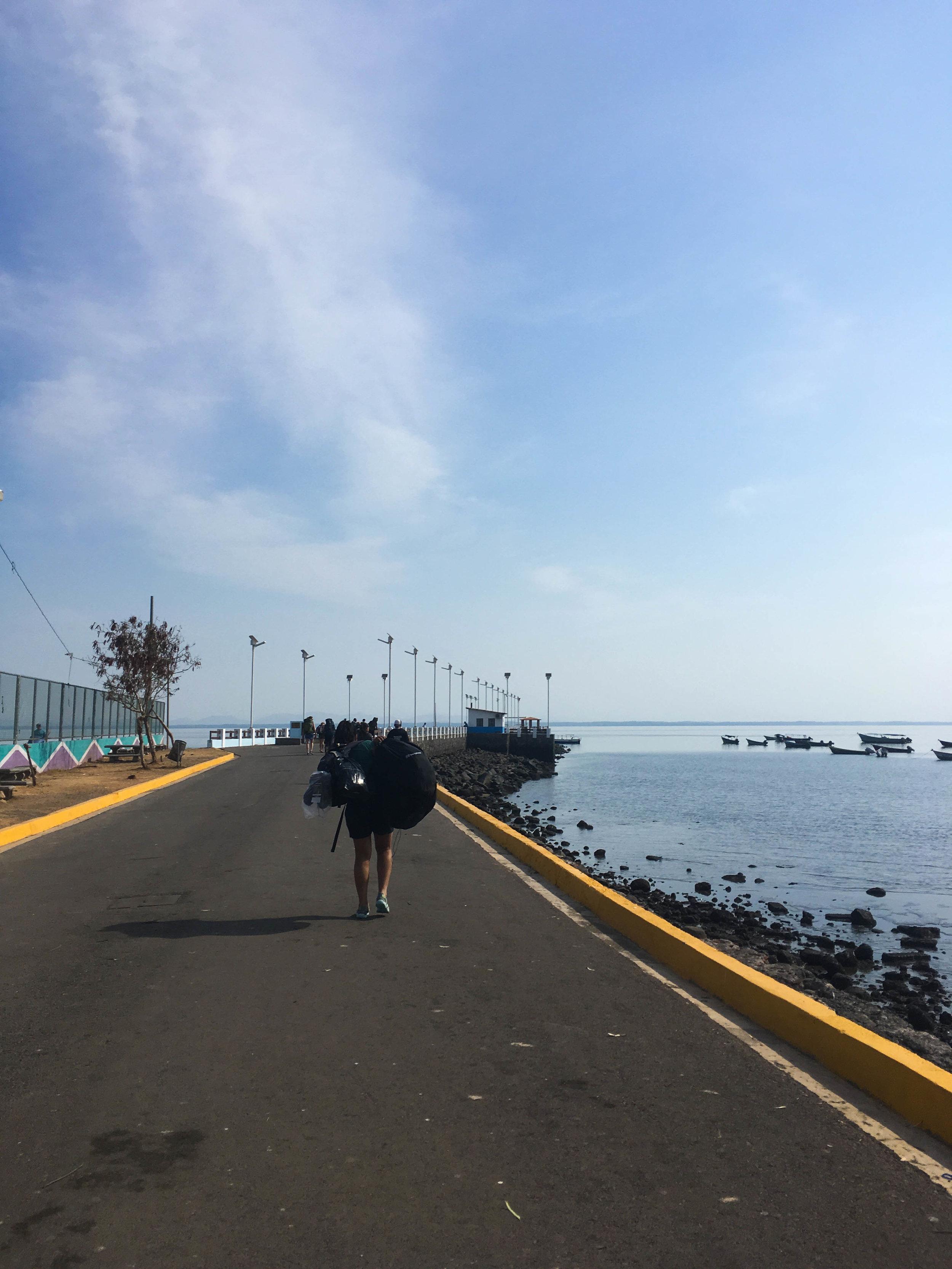 leaving el salvador by boat-natalienehlawi.jpg