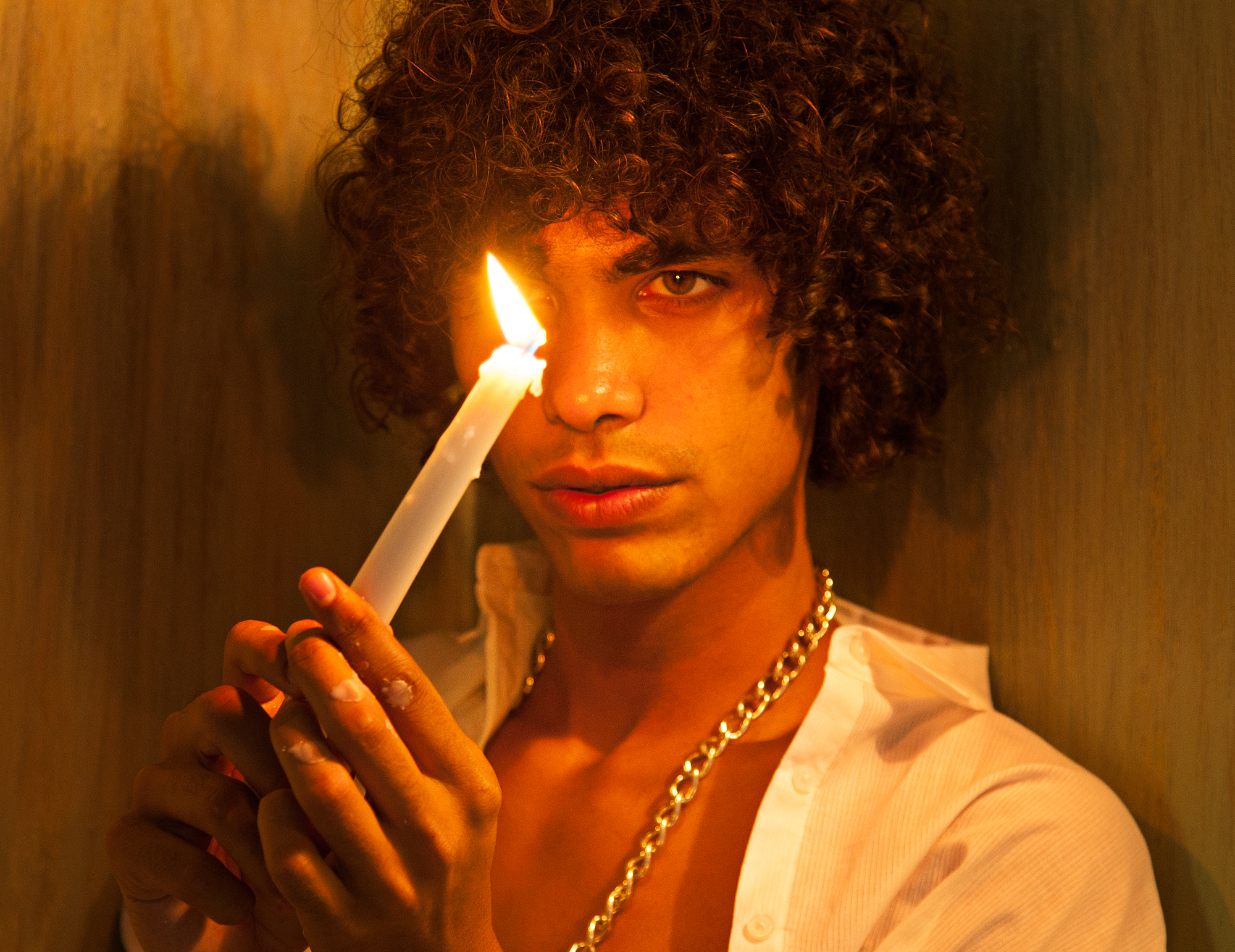 Alexis-Ordonez-Kat-Kaye-lofficiel-curly.jpg