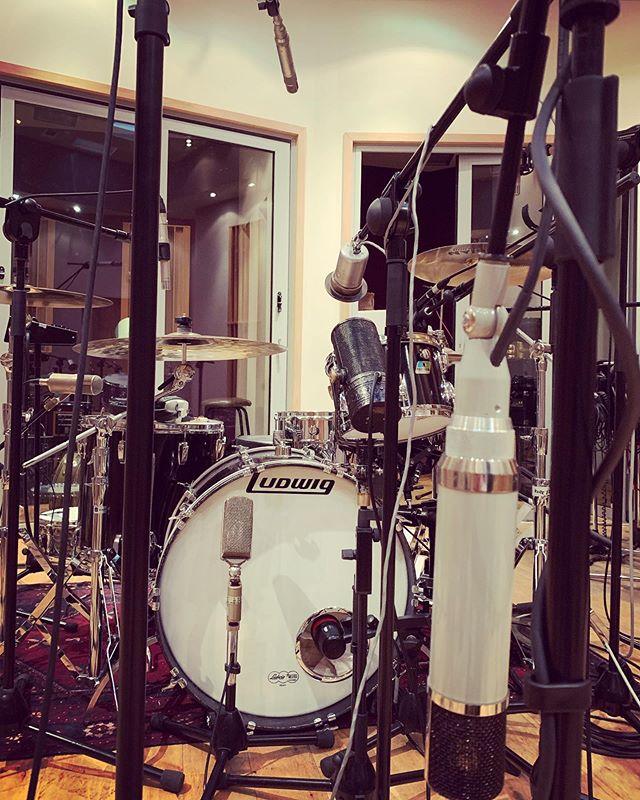 Drums today..#Upton251 #melodiumribbon #Akgc24 #saltshaker #drummicing #soundengineer #recordingstudio