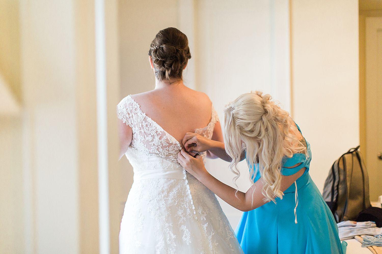 HaleyKingCo_Wedding_HannahJohn_Milwaukee_10.jpg