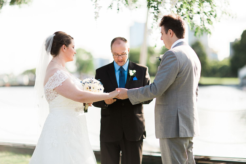 HaleyKingCo_Wedding_HannahJohn_Milwaukee_24.jpg