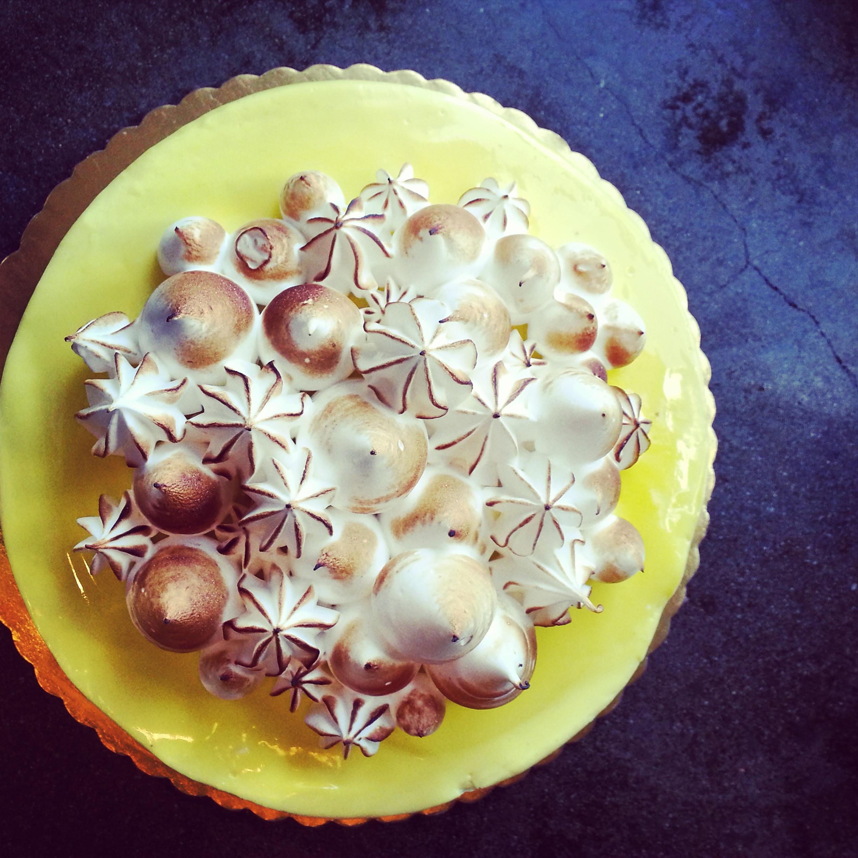 Lemon meringue cake.jpg
