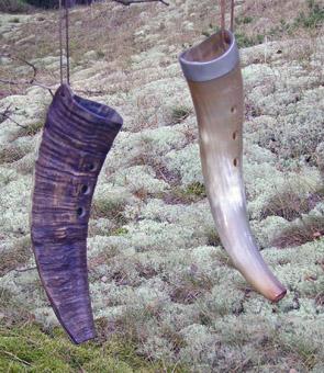Bukke- og kohorn af  Hornper Petersson .Goatshorn and cowhorn by  Hornper Petersson