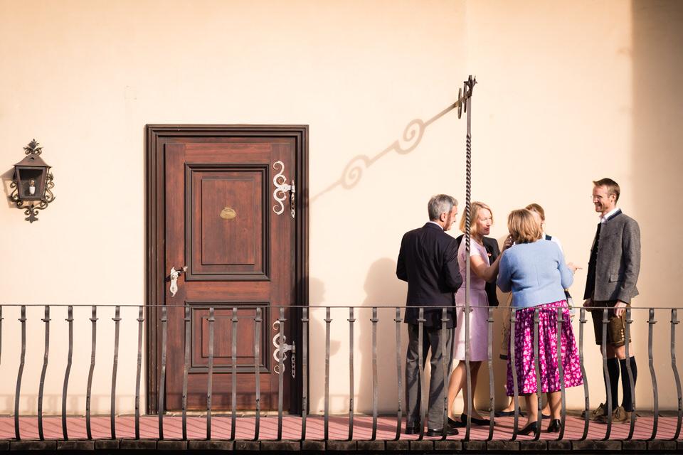 austria-SCHLOSS-OBERMAYERHOFEN-destination-wedding-photographer-4.jpg