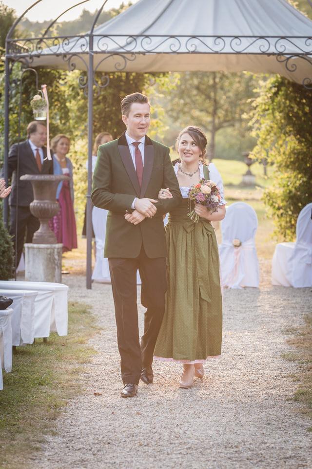 austria-SCHLOSS-OBERMAYERHOFEN-destination-wedding-photographer-10.jpg