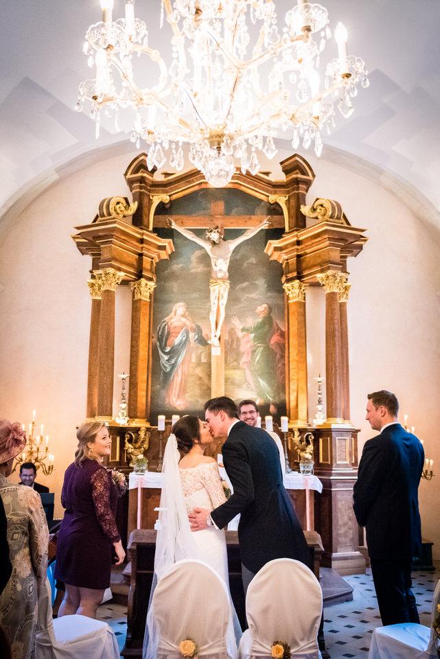 austria-SCHLOSS-OBERMAYERHOFEN-destination-wedding-photographer-23.jpg
