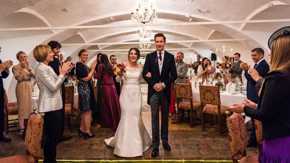 austria-SCHLOSS-OBERMAYERHOFEN-destination-wedding-photographer-37.jpg