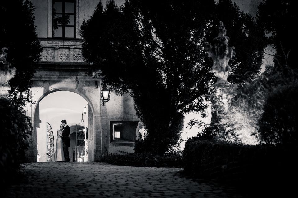austria-SCHLOSS-OBERMAYERHOFEN-destination-wedding-photographer-36.jpg
