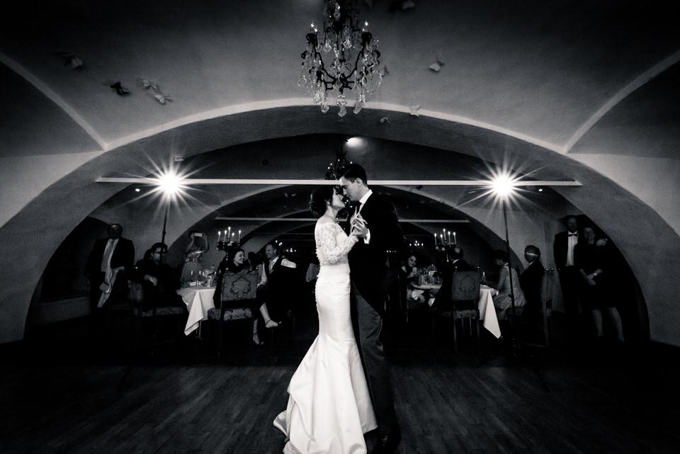 austria-SCHLOSS-OBERMAYERHOFEN-destination-wedding-photographer-41.jpg