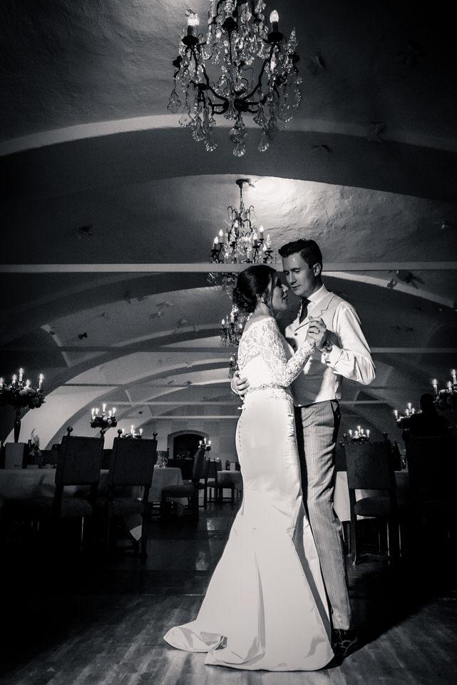 austria-SCHLOSS-OBERMAYERHOFEN-destination-wedding-photographer-44.jpg