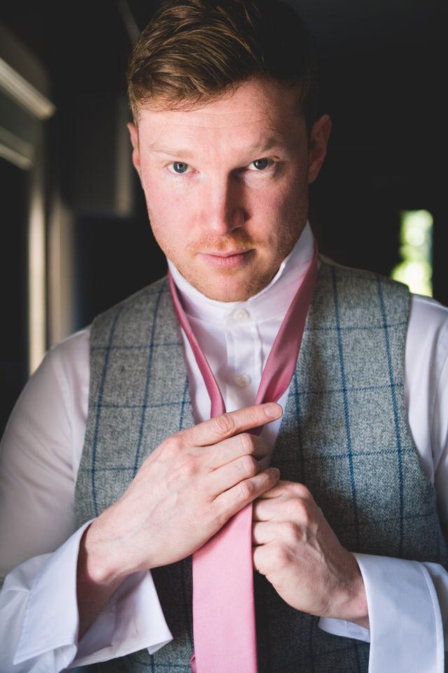 the-yorkshire-wedding-barn-leeds-wedding-photographer-13.jpg