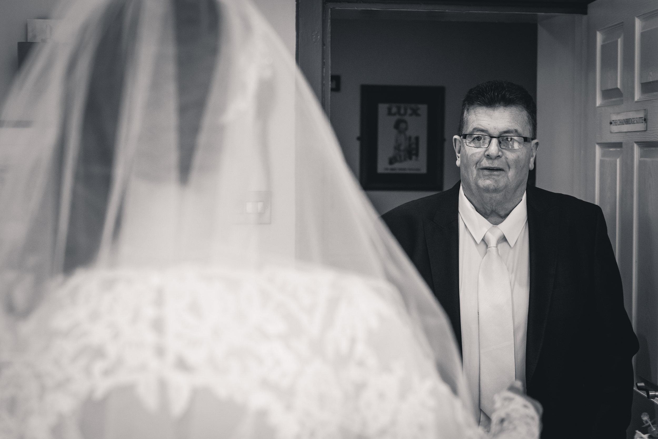 chainbridge-wedding-leeds-wedding-photographer-12.jpg
