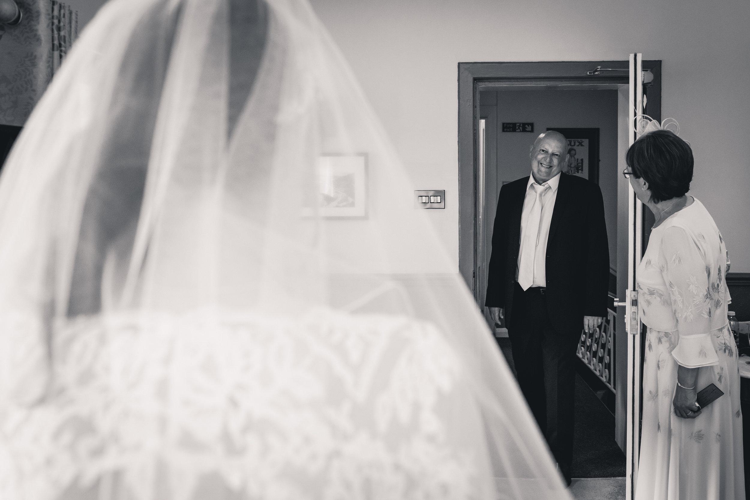 chainbridge-wedding-leeds-wedding-photographer-13.jpg