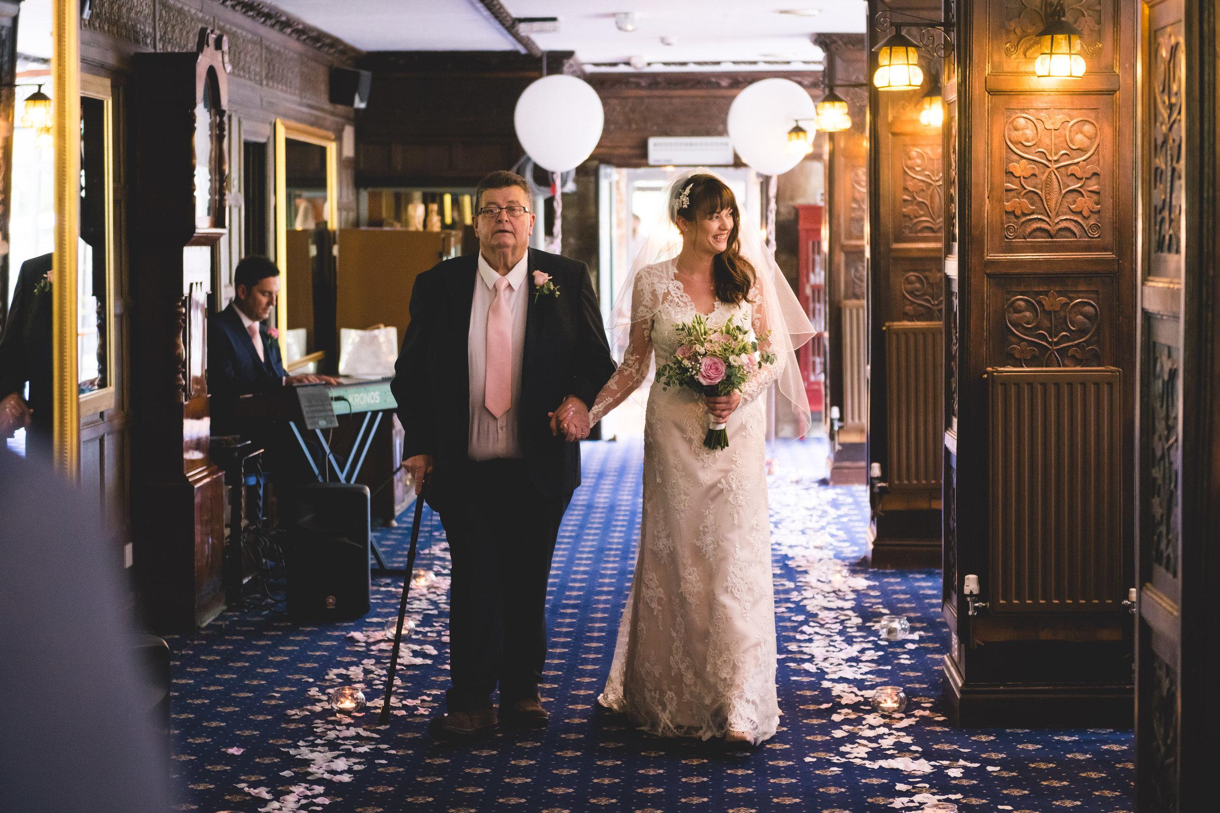 chainbridge-wedding-leeds-wedding-photographer-18.jpg