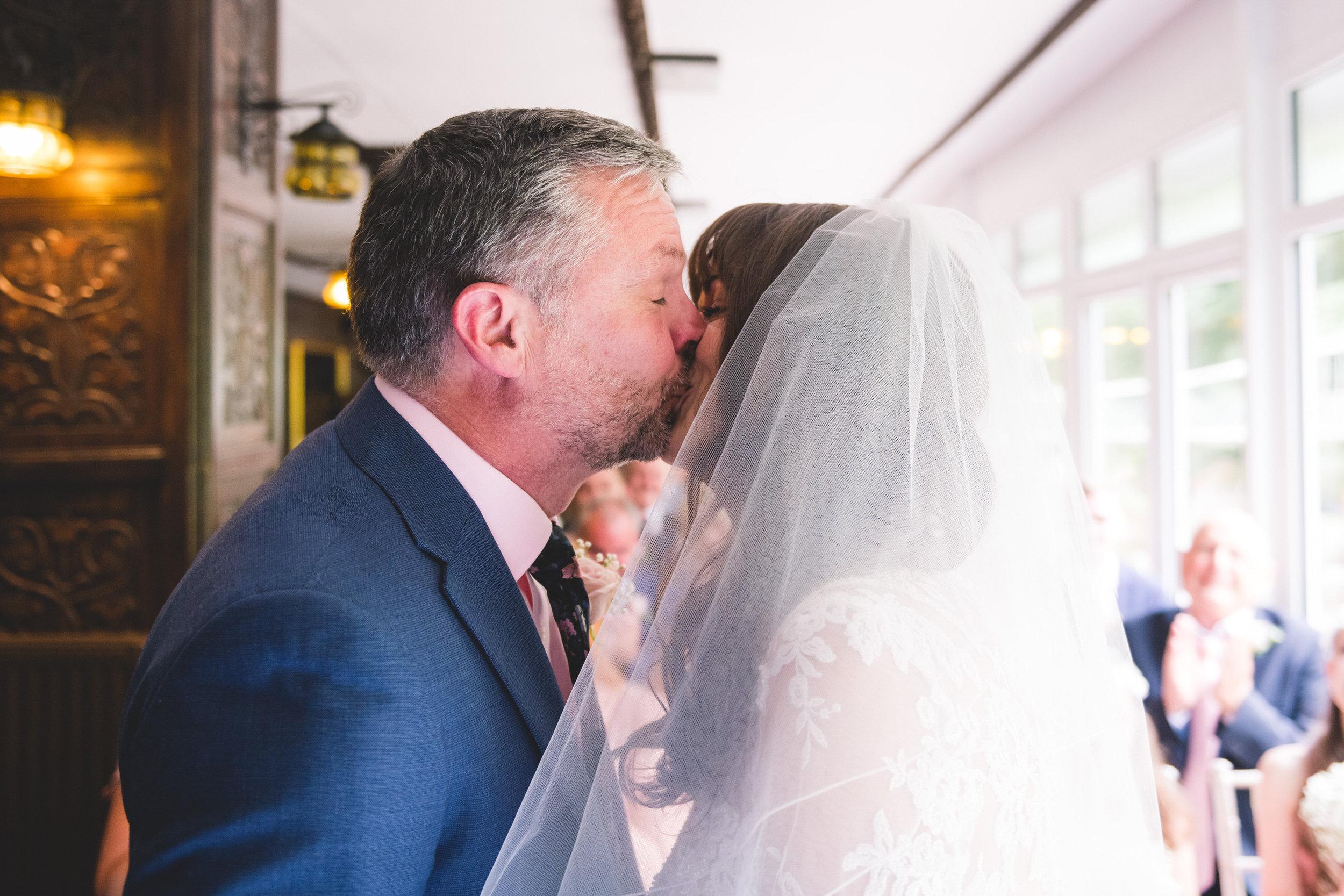 chainbridge-wedding-leeds-wedding-photographer-22.jpg