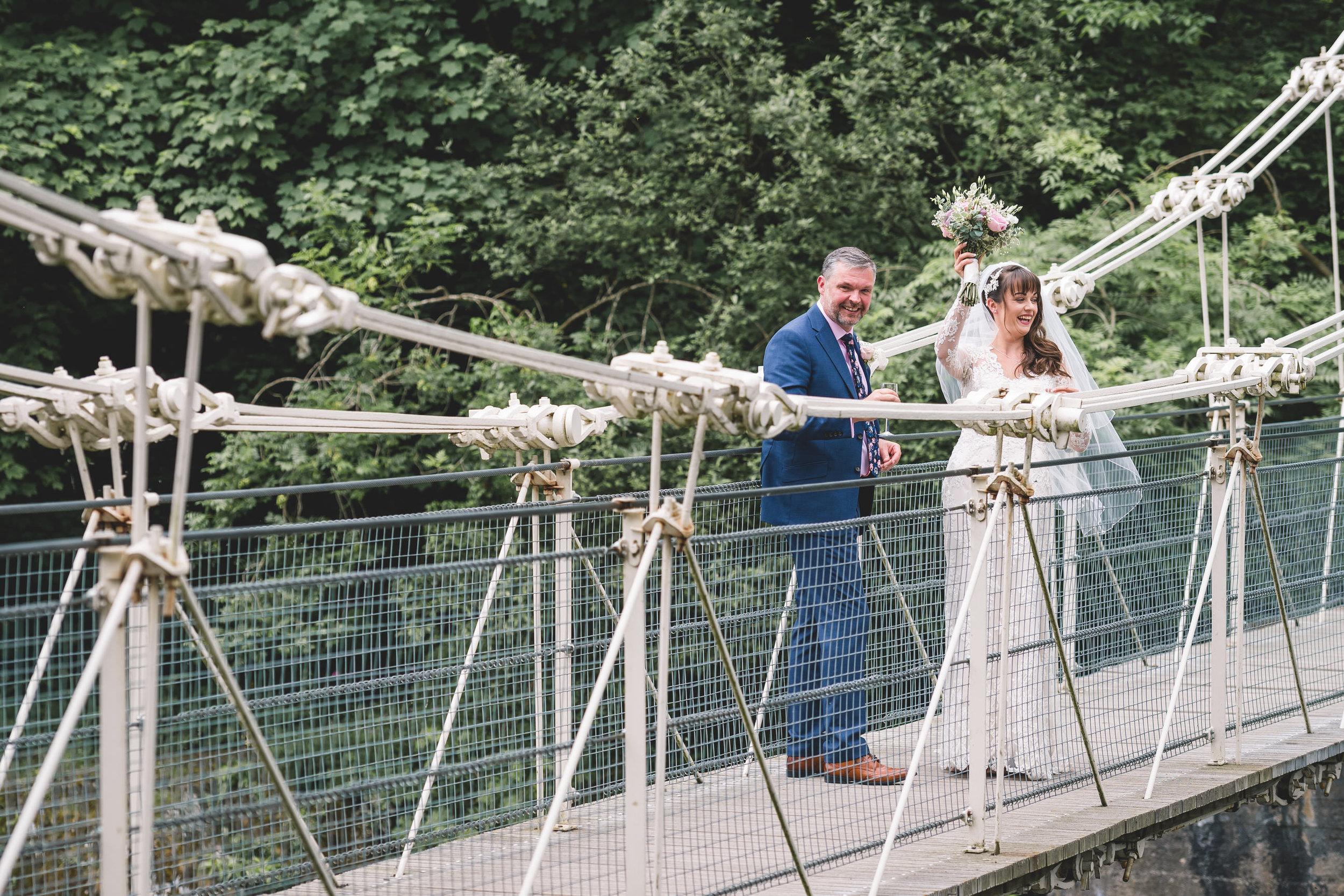 chainbridge-wedding-leeds-wedding-photographer-24.jpg