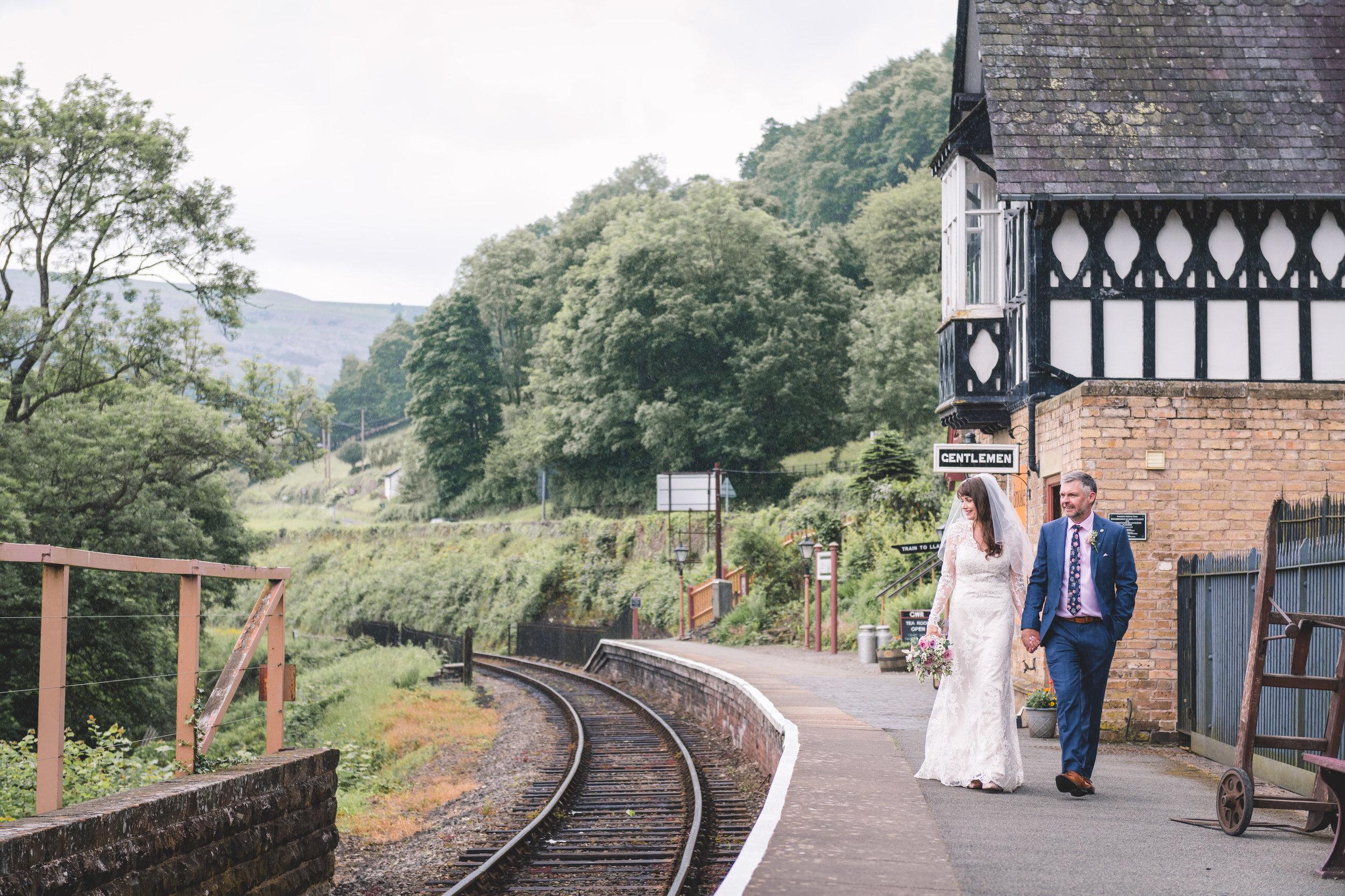 chainbridge-wedding-leeds-wedding-photographer-27.jpg