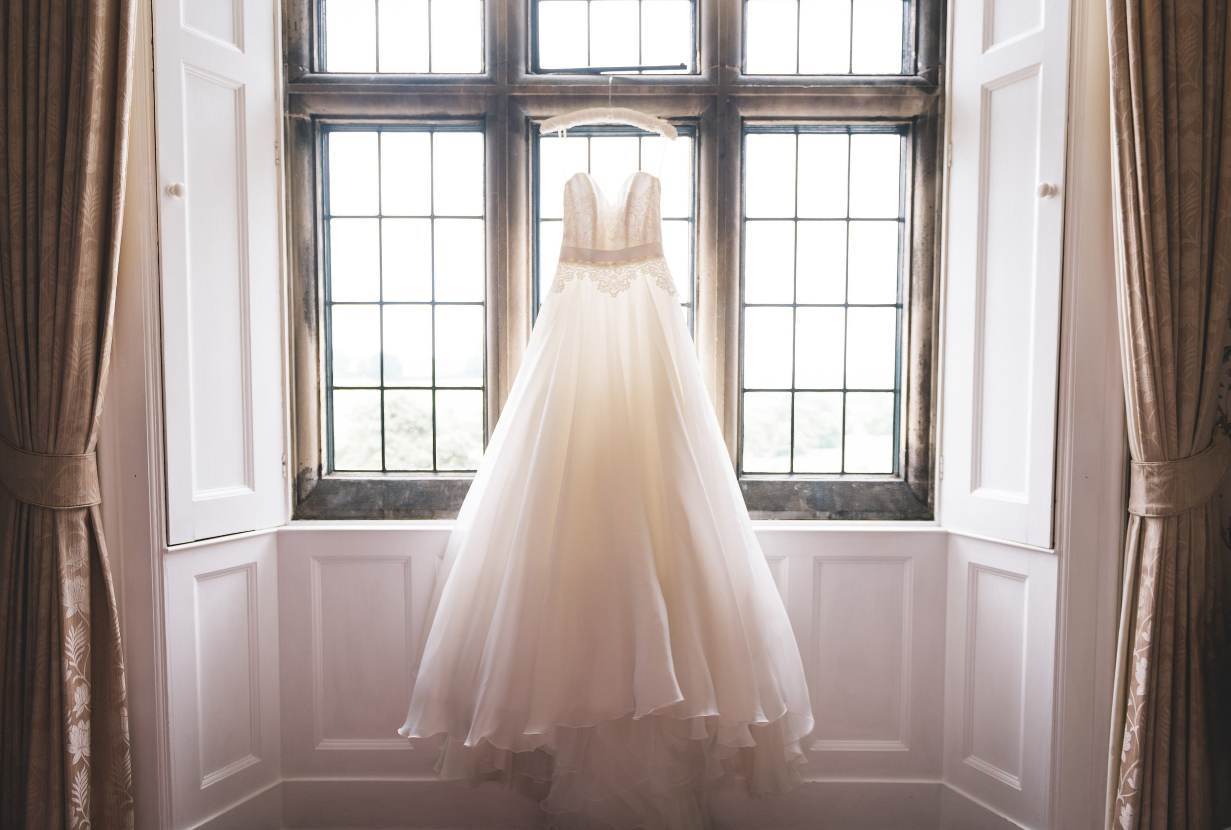 callow-hall-leeds-wedding-photographer-3.jpg