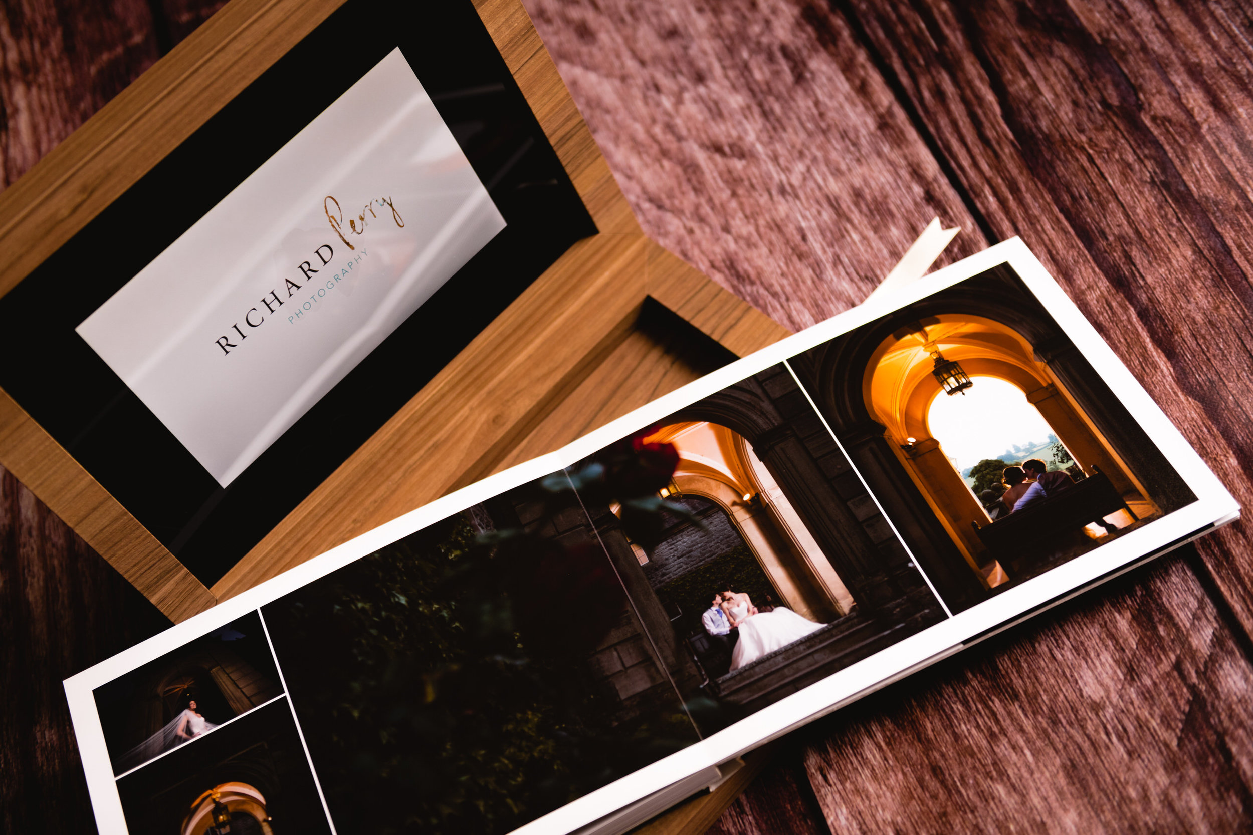 graphistudio-wedding-album-richard-perry-photography-14.jpg