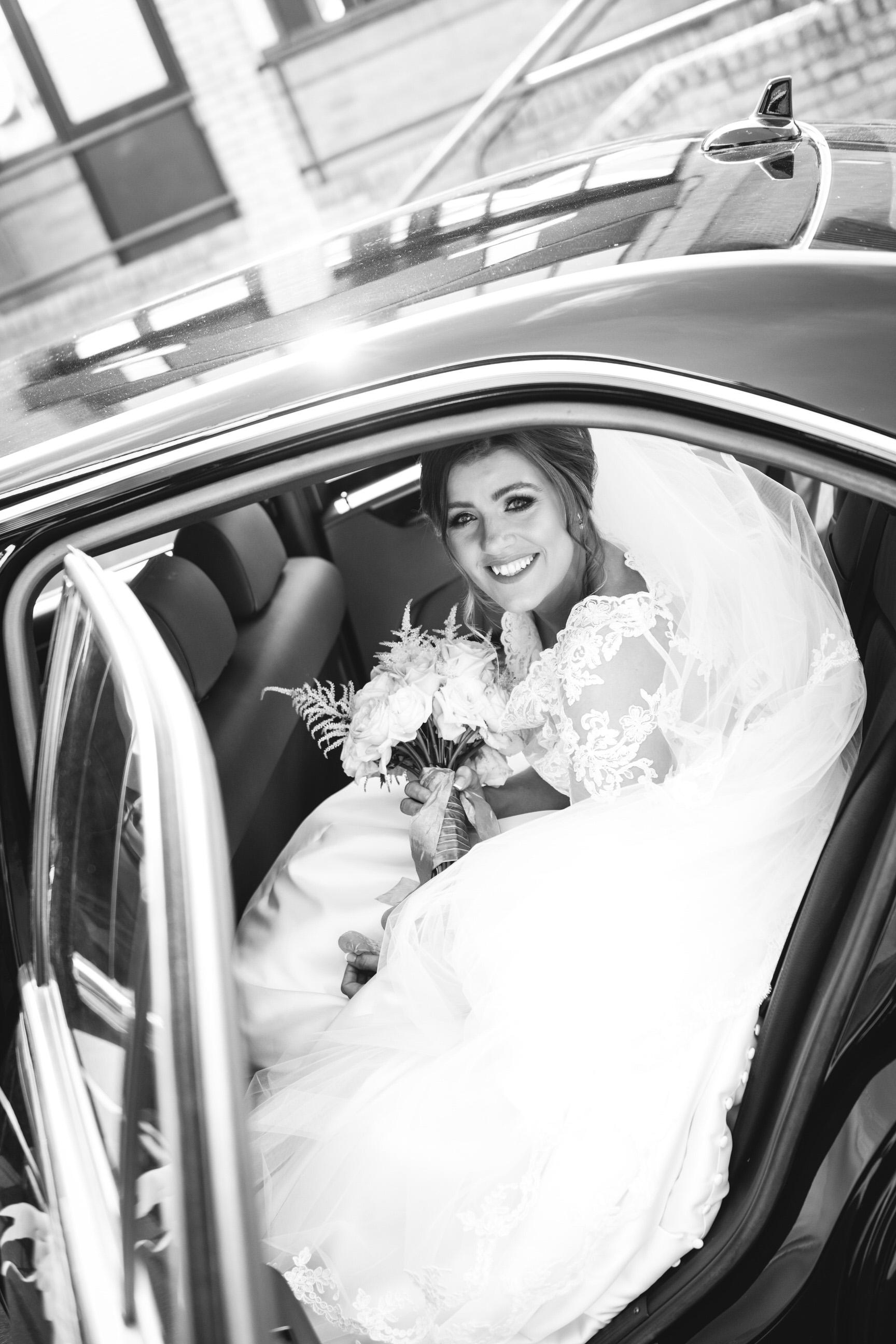 wentworth-woodhous-yorkshire-wedding-photographer-21.jpg