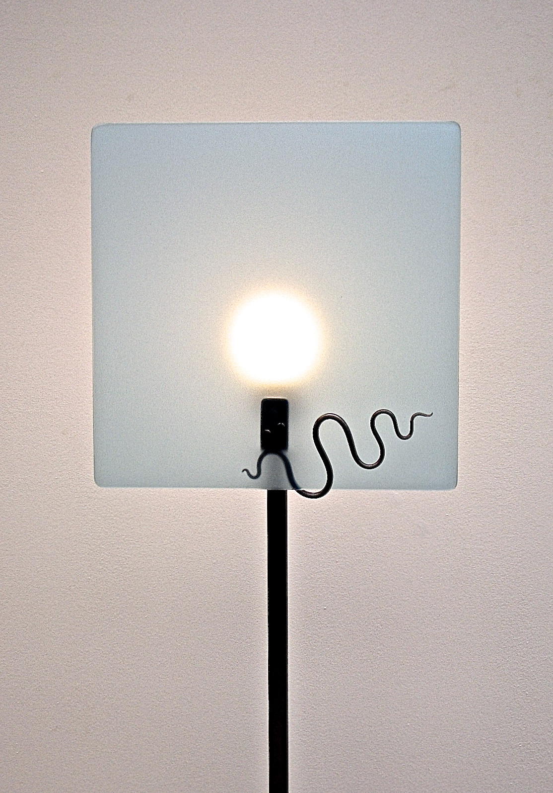 Wiggle Standard Lamp (Metal and Perspex)