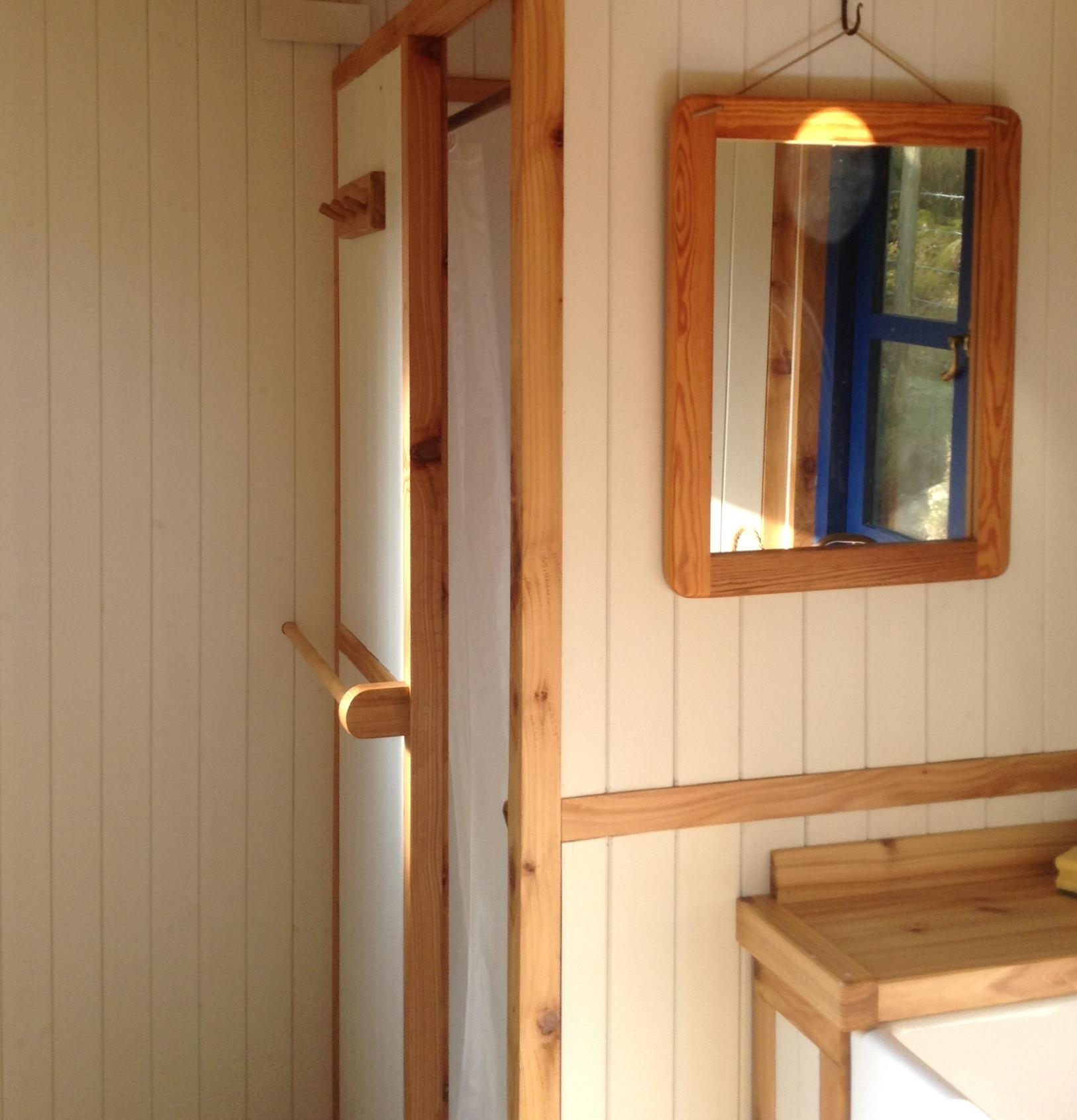 Bathroom wagon detail.