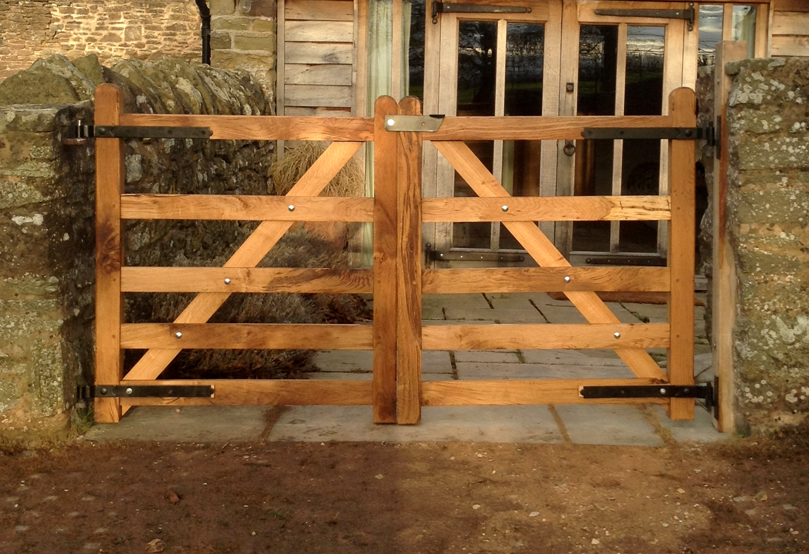 Oak gates, Dewsall Court, Herefordshire.