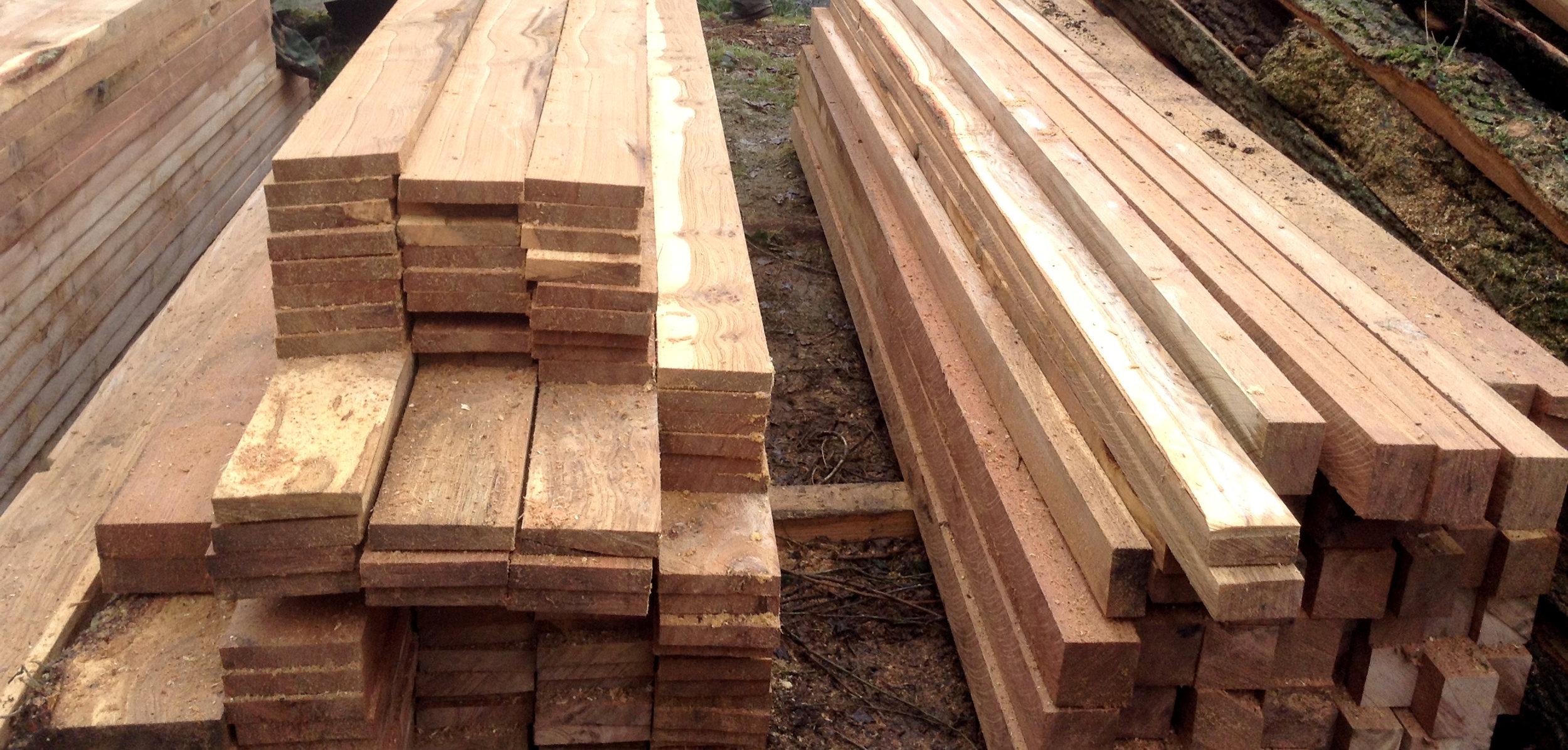 Sawn oak.