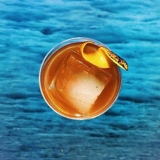 🥃 inspo from @thirsty @enticelounge ✨ . . . #friday #friyay #cocktail #whiskey #cocktails #cheers #weekendvibes #thirstynyc #imbibegram #drinkup #obelo #panela #rawsugar #bonappetit #f52grams #mixology