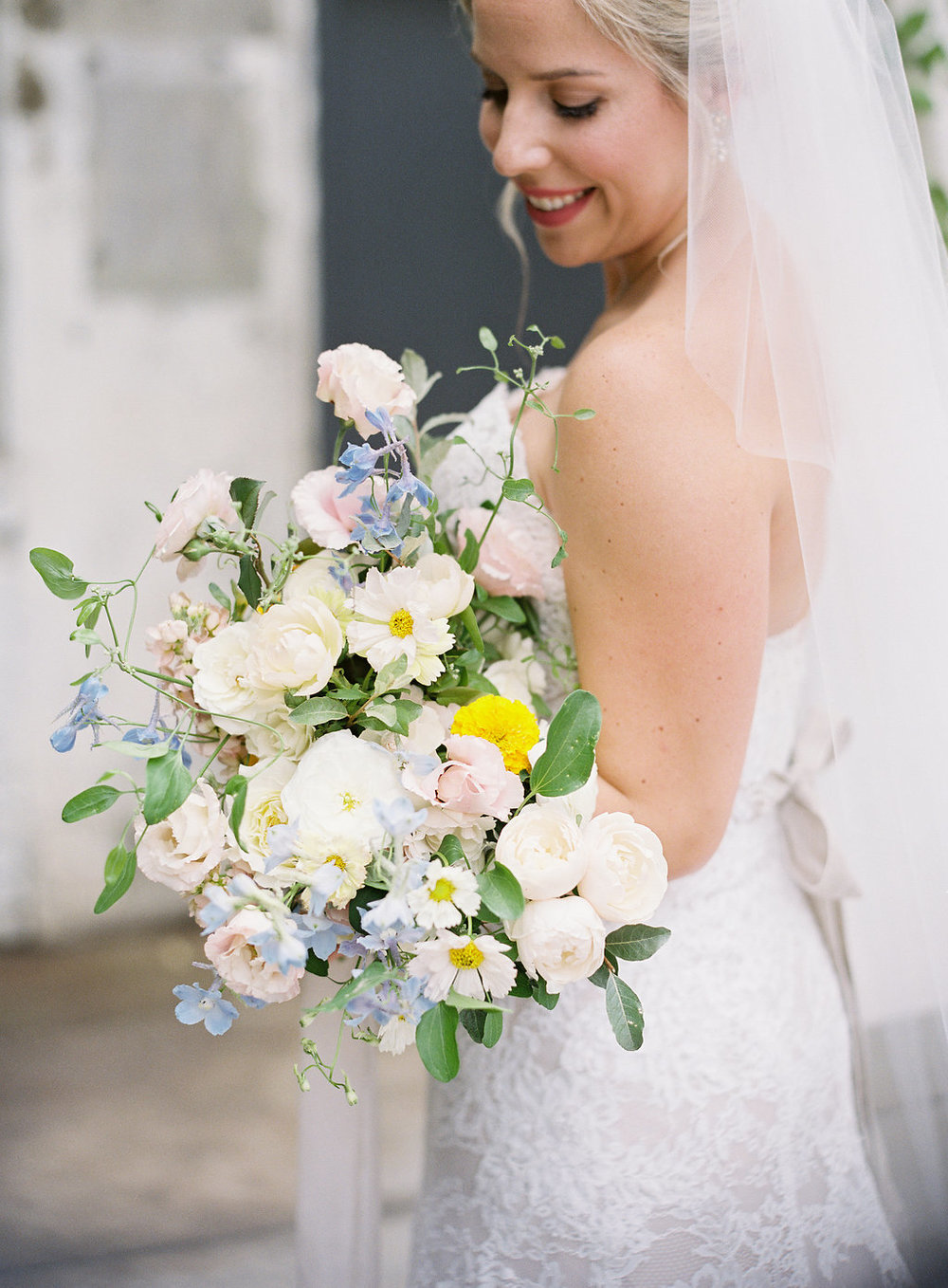 bride-holds-her-bouquet.jpg