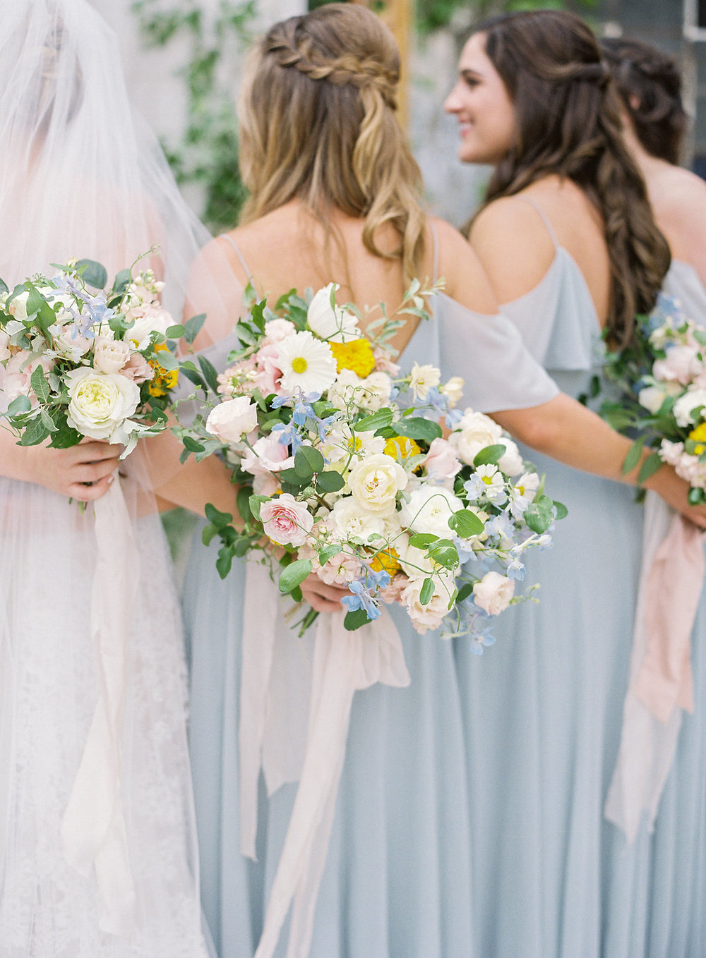 bridesmaids-frou-frou-chic-ribbon.jpg