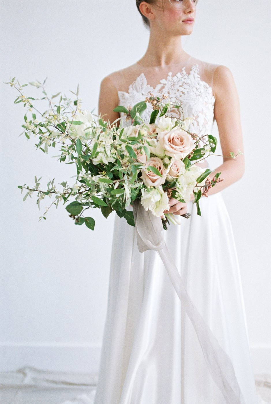 floral-details-of-bridal-bouquet.jpg